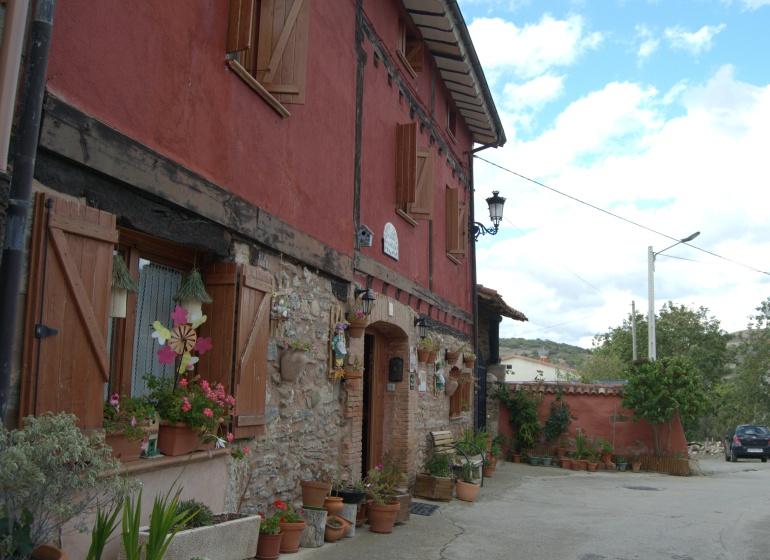 01 - Exterior_La Aldea Encantada