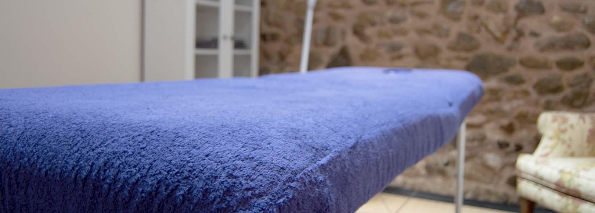 Servicios en el hotel rural de Burgos La Rioja masajes en camilla
